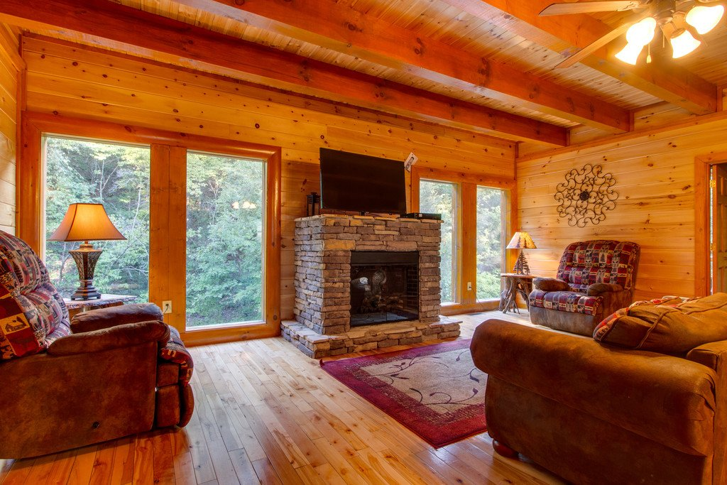Photo of a Pigeon Forge Cabin named Mountain Cinema Lodge - This is the first photo in the set.