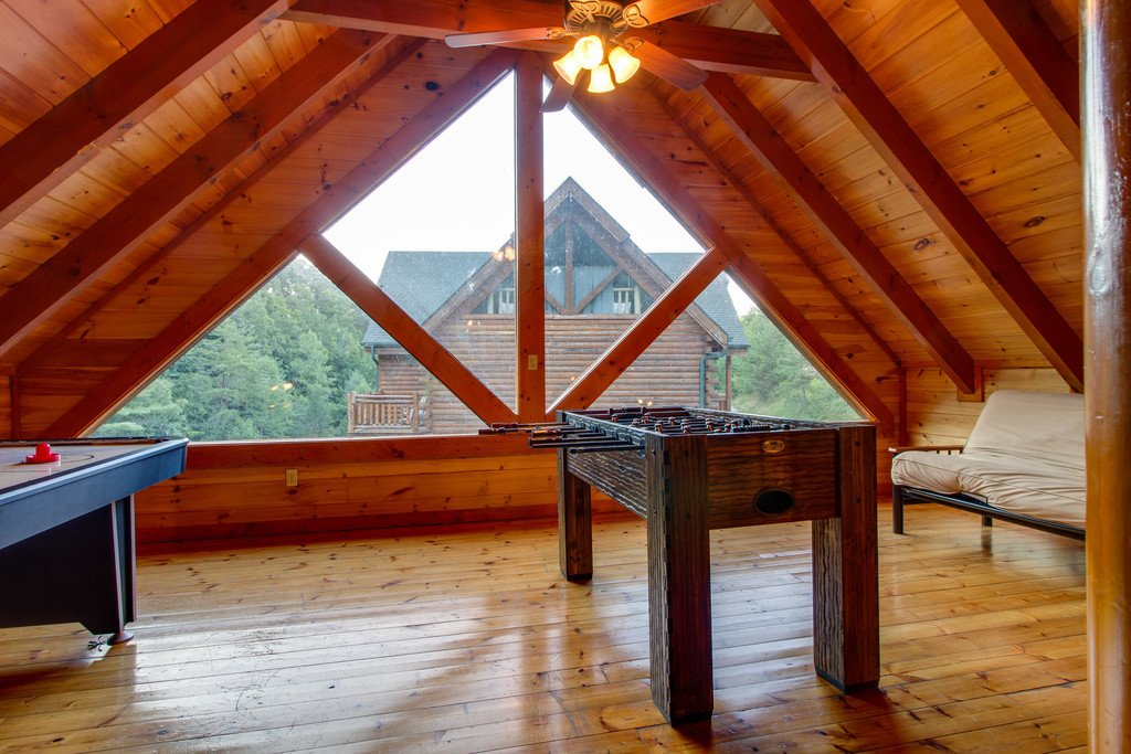Photo of a Pigeon Forge Cabin named Mountain Cinema Lodge - This is the nineteenth photo in the set.