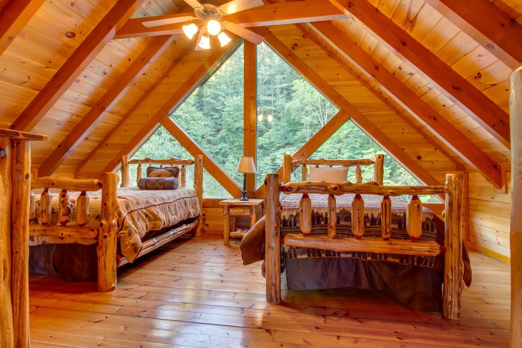 Photo of a Pigeon Forge Cabin named Mountain Cinema Lodge - This is the twenty-first photo in the set.