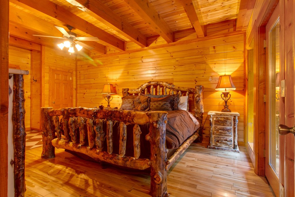 Photo of a Pigeon Forge Cabin named Mountain Cinema Lodge - This is the twenty-third photo in the set.