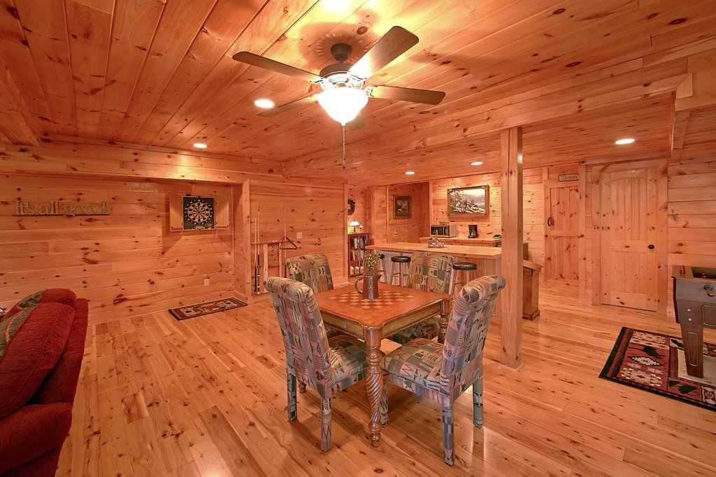 Photo of a Pigeon Forge Cabin named Mountain Magic #73 - This is the twenty-first photo in the set.