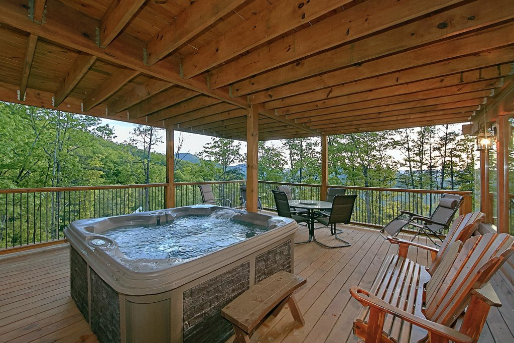 Photo of a Pigeon Forge Cabin named Mountain Magic #73 - This is the twenty-third photo in the set.