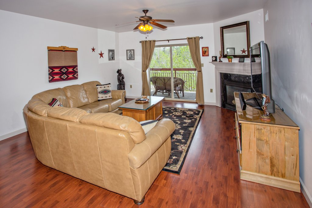 Photo of a Pigeon Forge Condo named Cedar Lodge 603 - This is the second photo in the set.