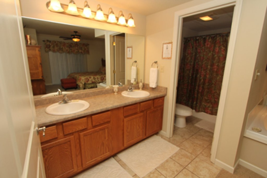 Photo of a Pigeon Forge Condo named Cedar Lodge 601 - This is the twelfth photo in the set.
