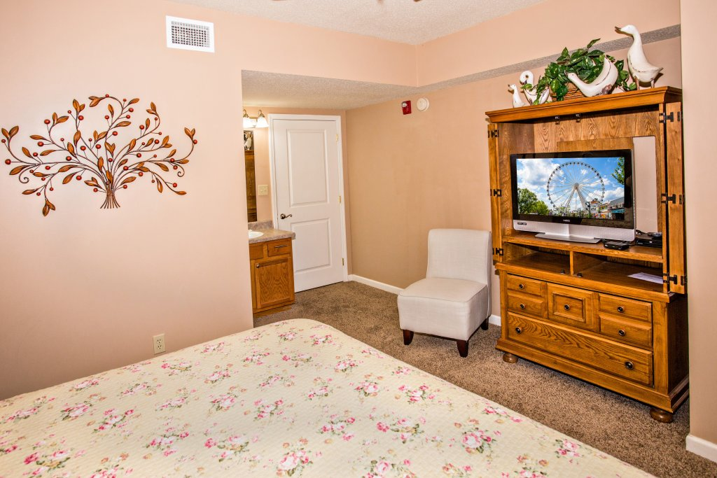 Photo of a Pigeon Forge Condo named Cedar Lodge 404 - This is the seventh photo in the set.