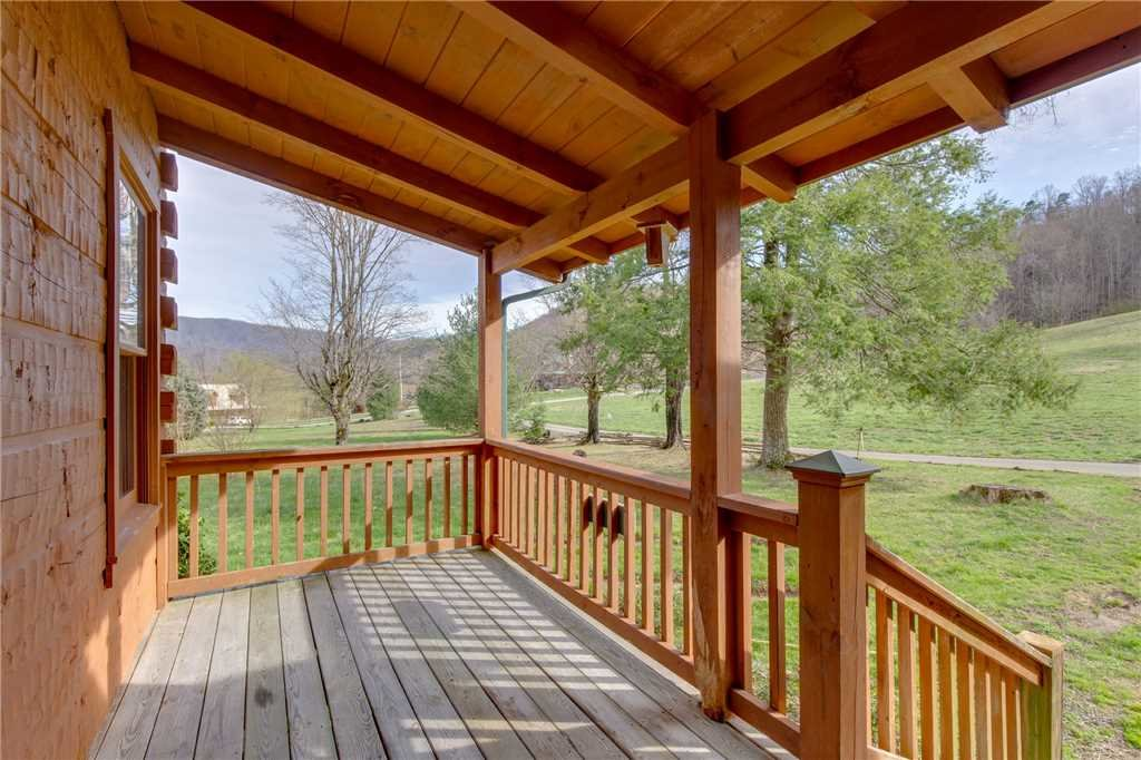Photo of a Sevierville Cabin named Spring View - This is the twentieth photo in the set.