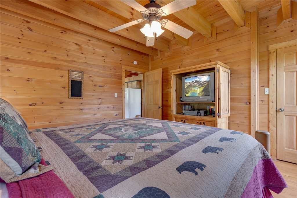 Photo of a Sevierville Cabin named Spring View - This is the fifteenth photo in the set.