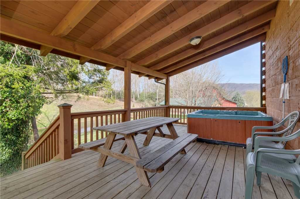 Photo of a Sevierville Cabin named Spring View - This is the eighteenth photo in the set.
