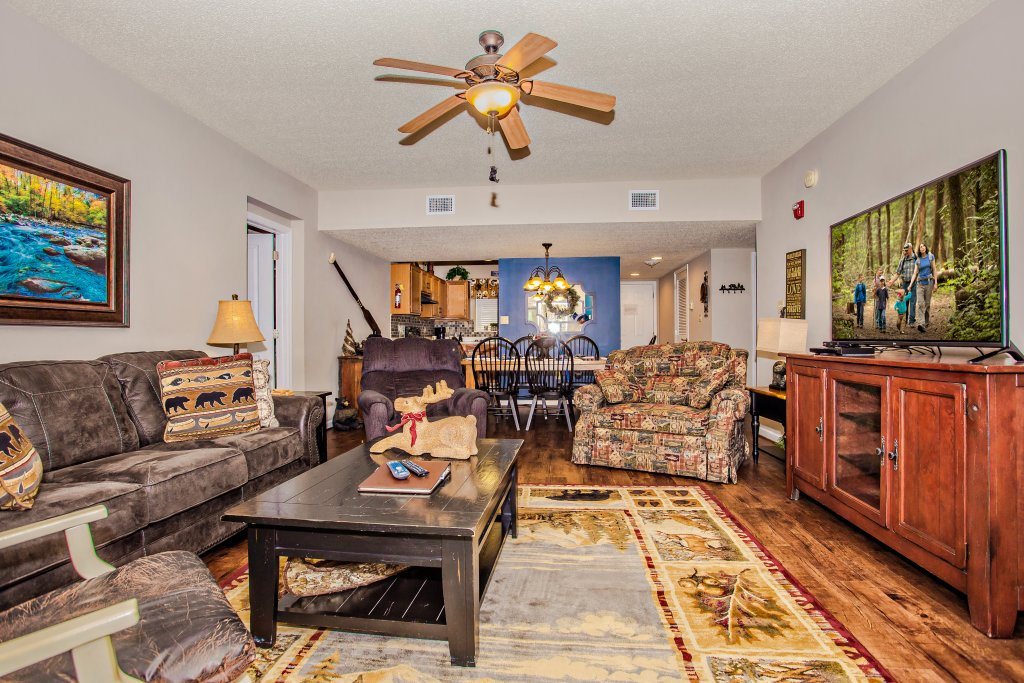 Photo of a Pigeon Forge Condo named Cedar Lodge 105 - This is the third photo in the set.