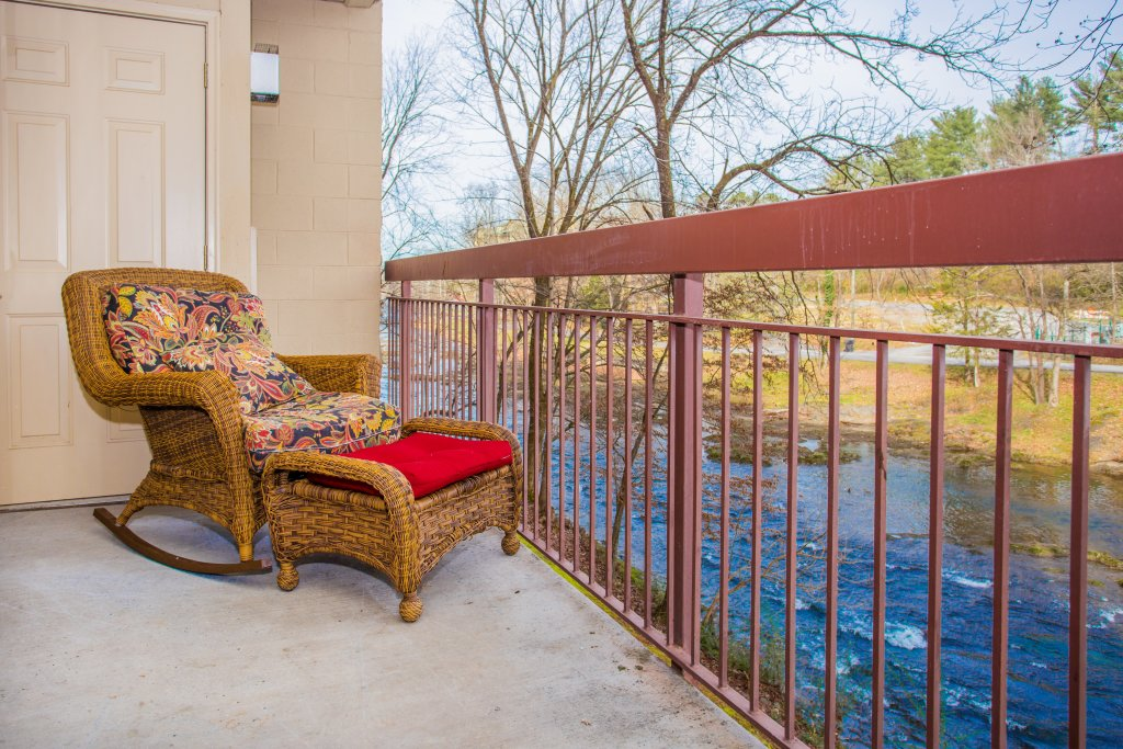 Photo of a Pigeon Forge Condo named Cedar Lodge 105 - This is the eighteenth photo in the set.