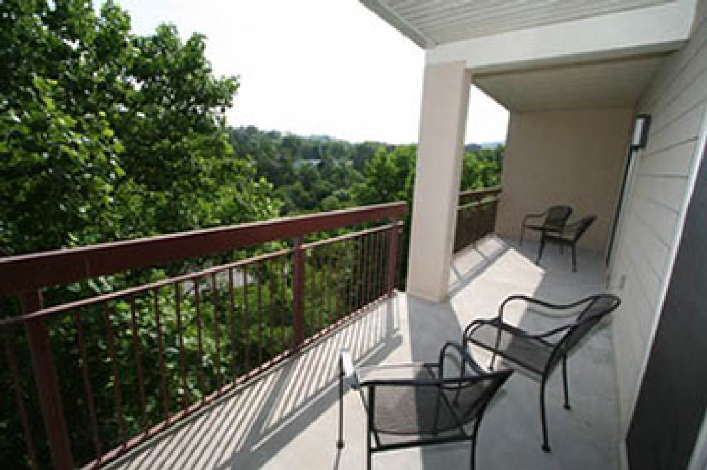 Photo of a Pigeon Forge Condo named Cedar Lodge 605 - This is the thirty-eighth photo in the set.
