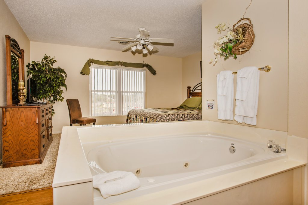 Photo of a Pigeon Forge Condo named Whispering Pines 253 - This is the ninth photo in the set.