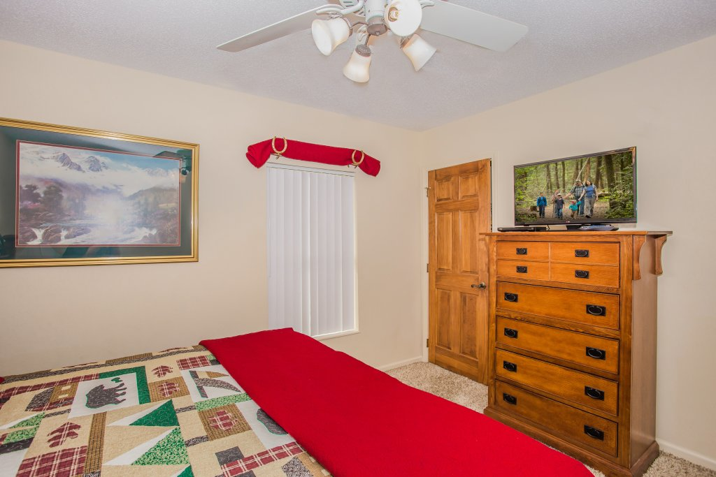 Photo of a Pigeon Forge Condo named Whispering Pines 253 - This is the thirteenth photo in the set.