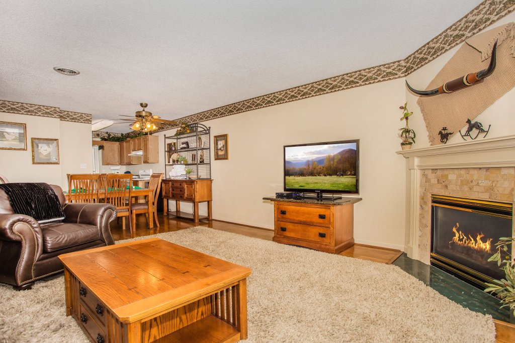 Photo of a Pigeon Forge Condo named Whispering Pines 253 - This is the sixth photo in the set.