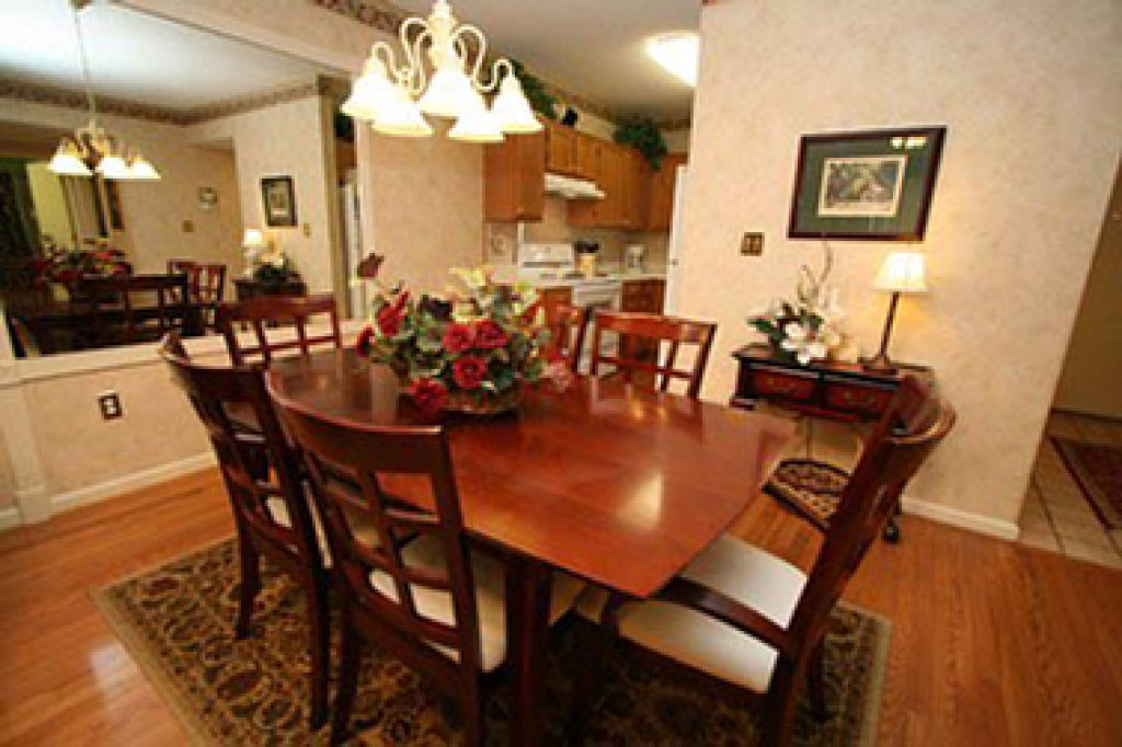 Photo of a Pigeon Forge Condo named Whispering Pines 123 - This is the second photo in the set.