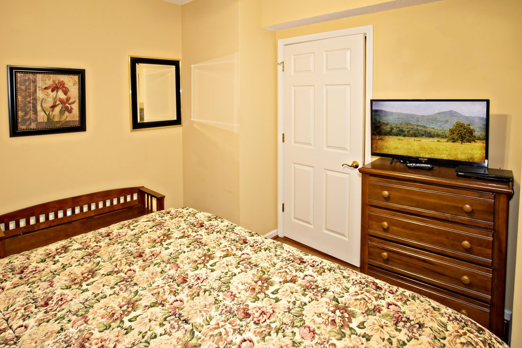 Photo of a Pigeon Forge Condo named Whispering Pines 101 - This is the fourth photo in the set.