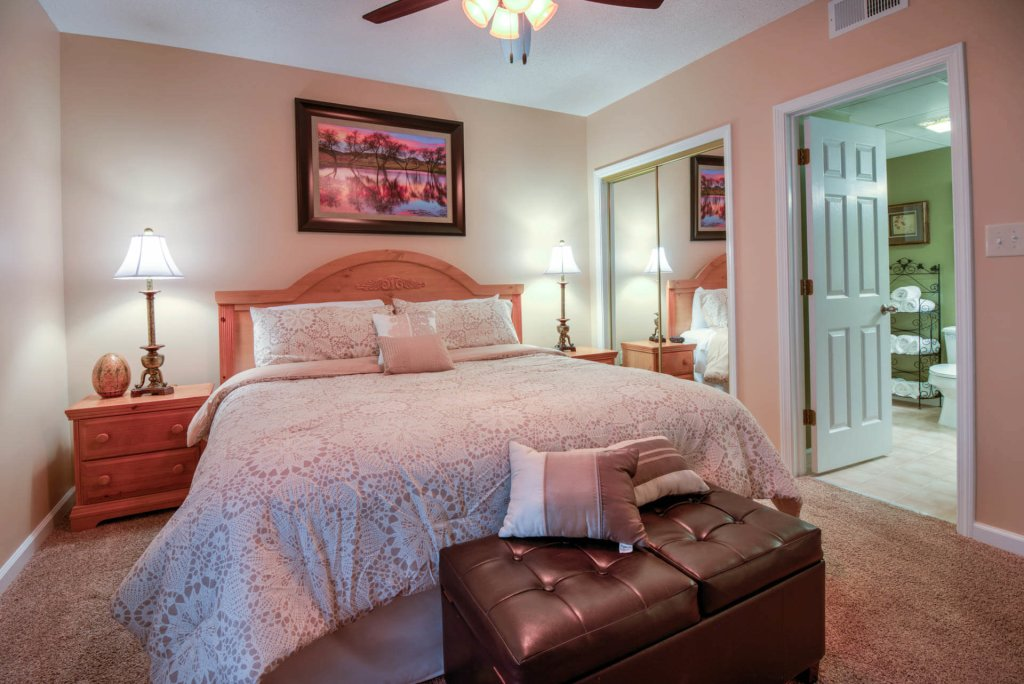 Photo of a Pigeon Forge Condo named Whispering Pines 224 - This is the tenth photo in the set.