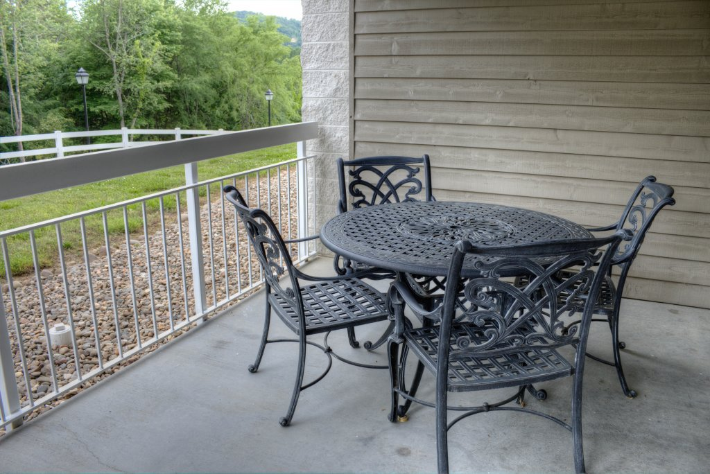 Photo of a Pigeon Forge Condo named Whispering Pines 313 - This is the fiftieth photo in the set.