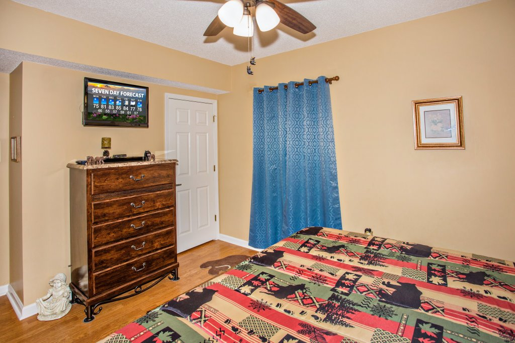 Photo of a Pigeon Forge Condo named Whispering Pines 242 - This is the fifth photo in the set.