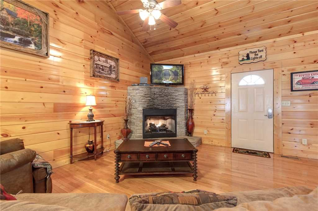 Photo of a Gatlinburg Cabin named Love Shack - This is the fourth photo in the set.