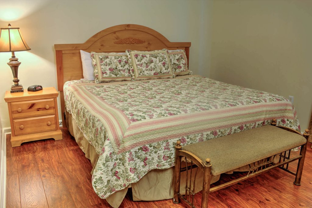 Photo of a Pigeon Forge Condo named Whispering Pines 233 - This is the third photo in the set.
