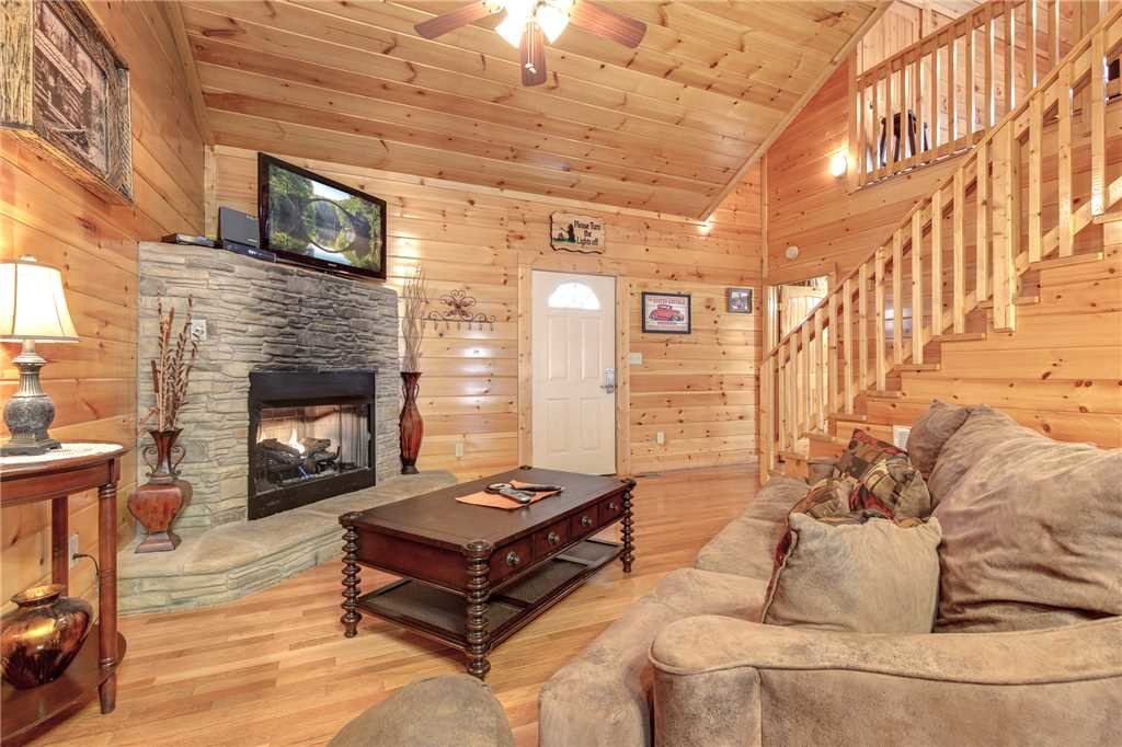 Photo of a Gatlinburg Cabin named Love Shack - This is the fifth photo in the set.