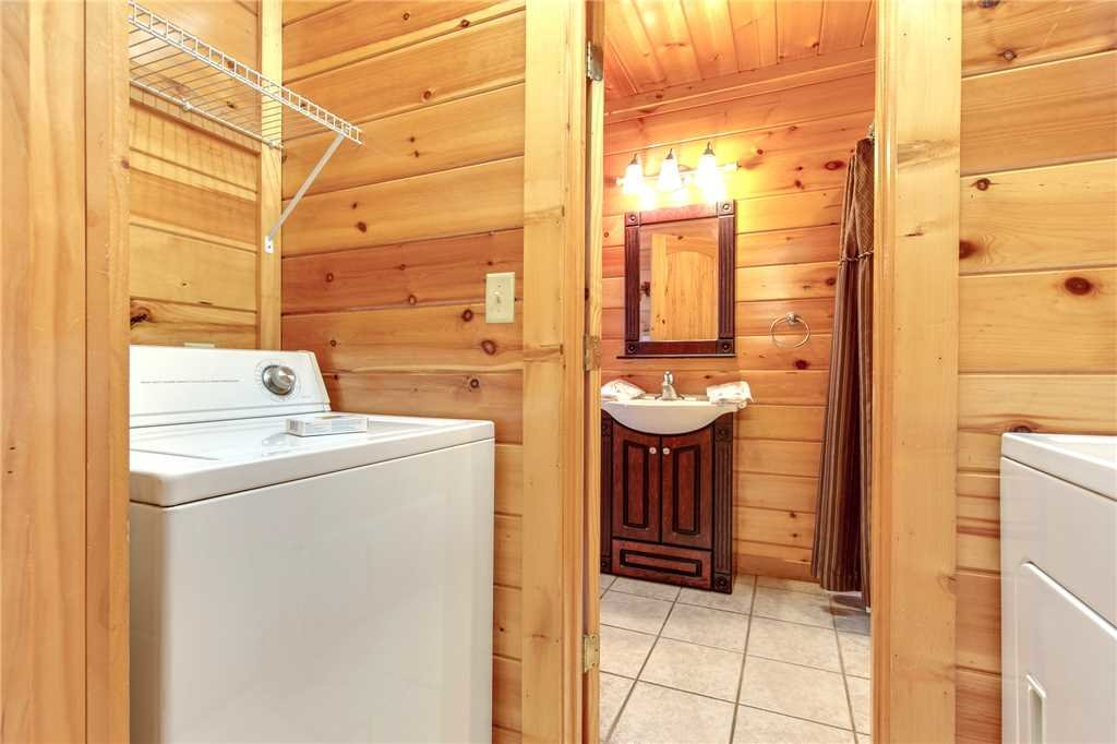 Photo of a Gatlinburg Cabin named Love Shack - This is the sixteenth photo in the set.