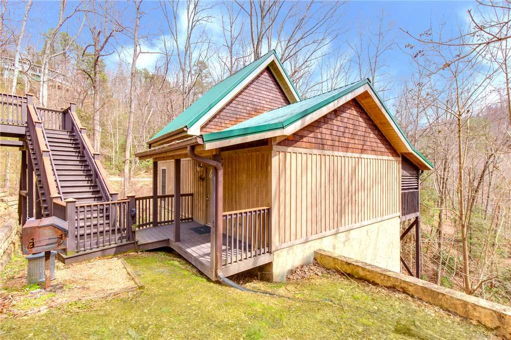 Photo of a Gatlinburg Cabin named Love Shack - This is the twentieth photo in the set.