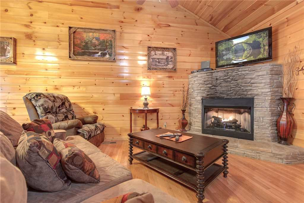 Photo of a Gatlinburg Cabin named Love Shack - This is the third photo in the set.