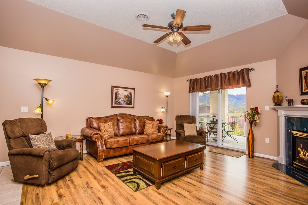 Photo of a Pigeon Forge Condo named Whispering Pines 652 - This is the fifth photo in the set.
