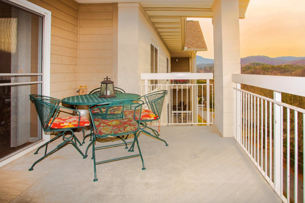 Photo of a Pigeon Forge Condo named Whispering Pines 652 - This is the fourteenth photo in the set.