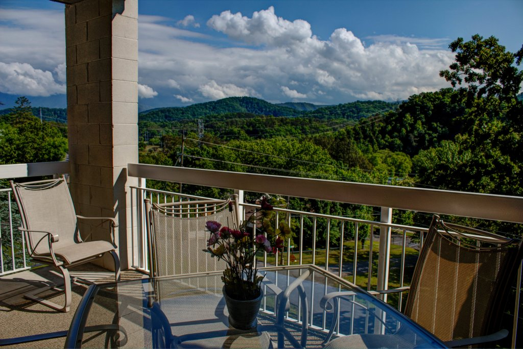 Photo of a Pigeon Forge Condo named Whispering Pines 533 - This is the twenty-first photo in the set.