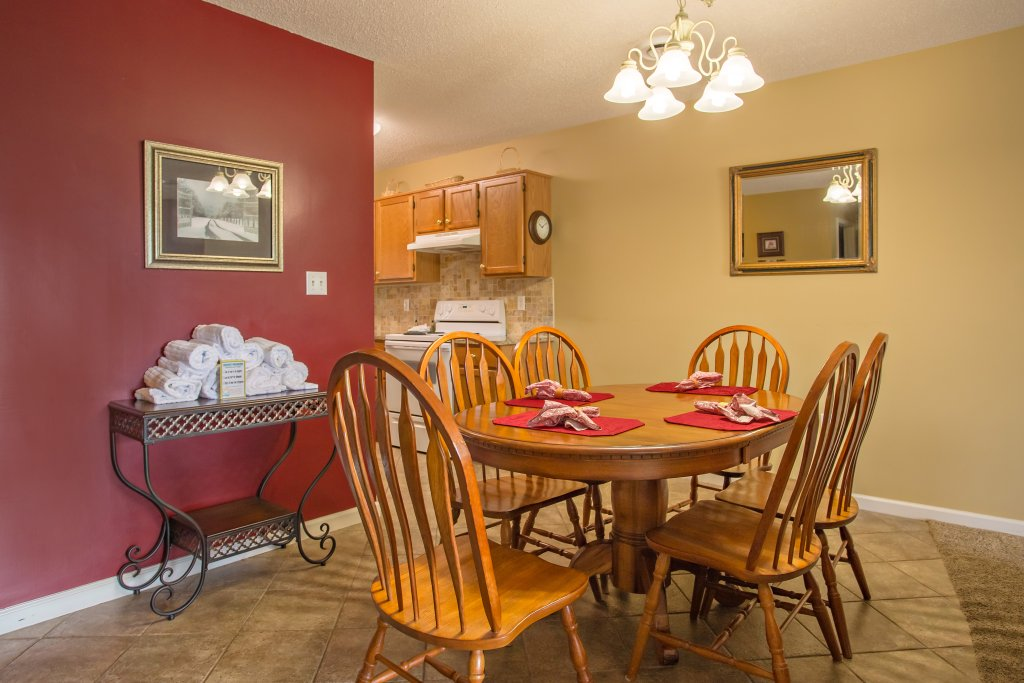 Photo of a Pigeon Forge Condo named Whispering Pines 453 - This is the sixth photo in the set.