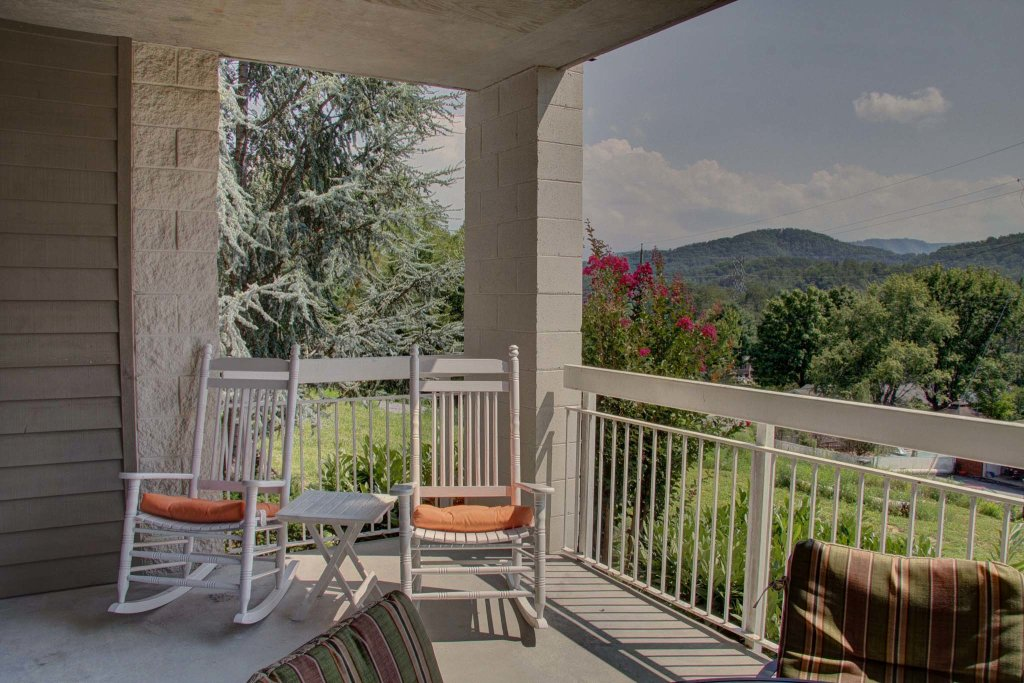 Photo of a Pigeon Forge Condo named Whispering Pines 511 - This is the thirty-second photo in the set.