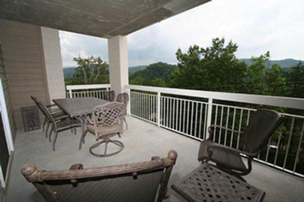 Photo of a Pigeon Forge Condo named Whispering Pines 634 - This is the fourteenth photo in the set.