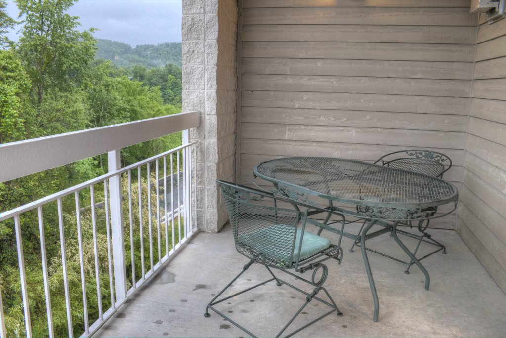 Photo of a Pigeon Forge Condo named Whispering Pines 341 - This is the forty-first photo in the set.