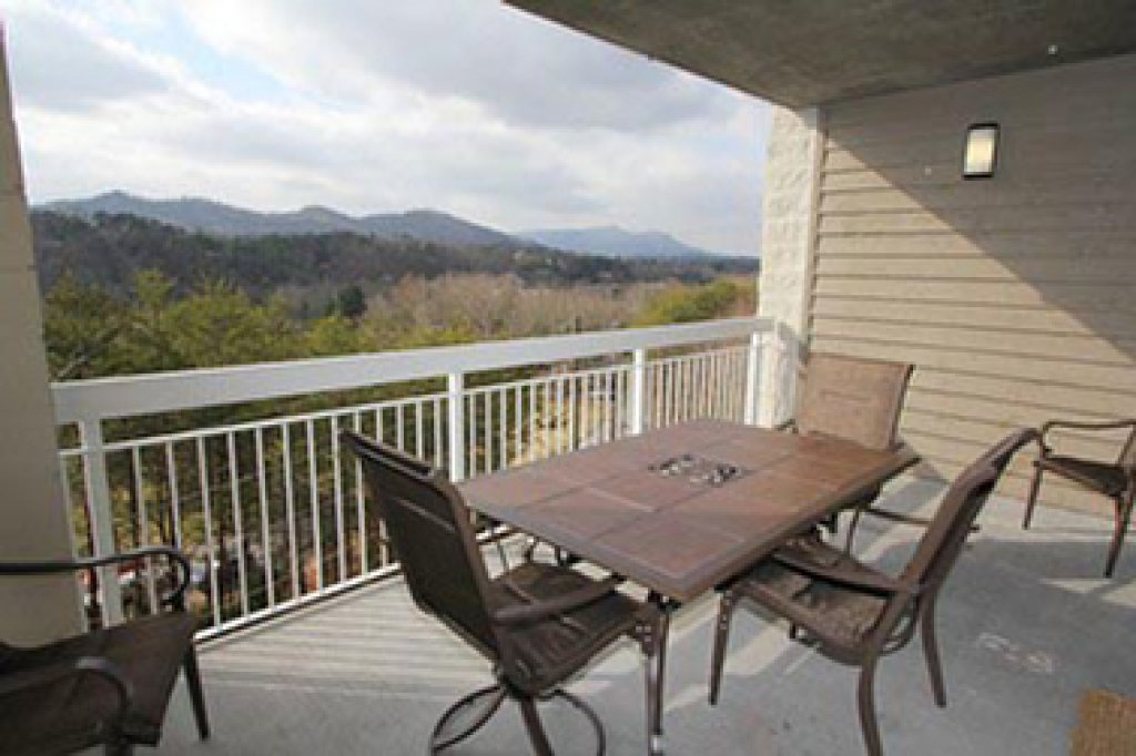 Photo of a Pigeon Forge Condo named Whispering Pines 644 - This is the fourteenth photo in the set.
