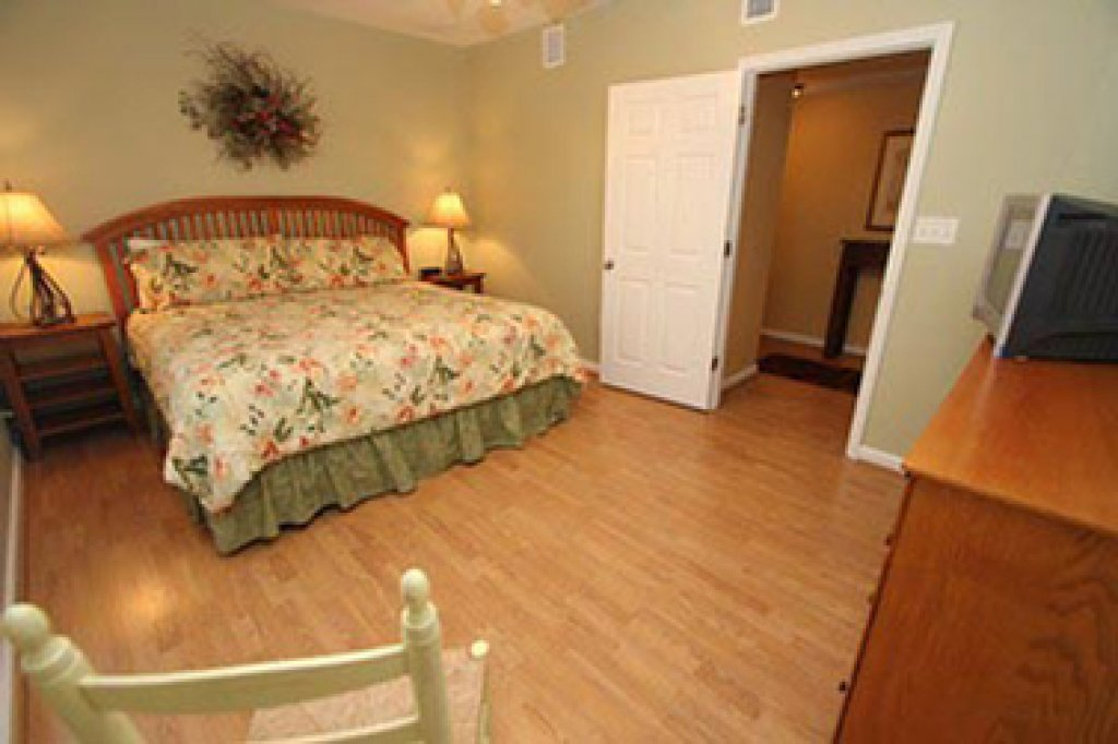 Photo of a Pigeon Forge Condo named Whispering Pines 644 - This is the eleventh photo in the set.