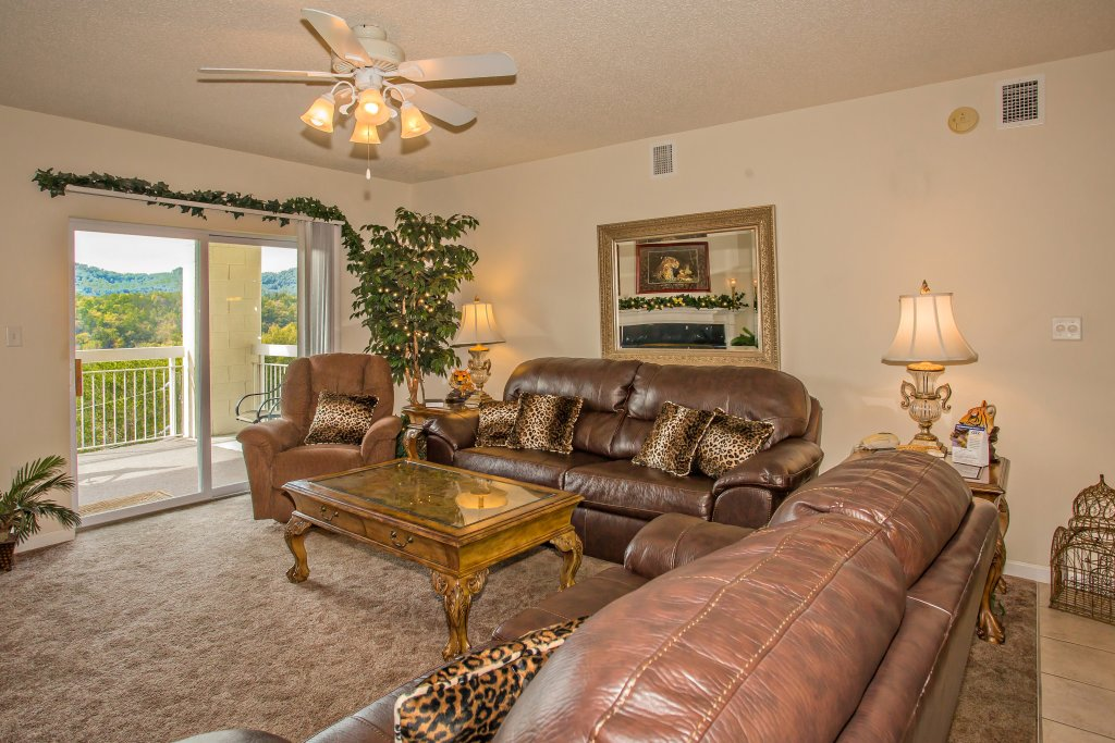 Photo of a Pigeon Forge Condo named Whispering Pines 643 - This is the second photo in the set.