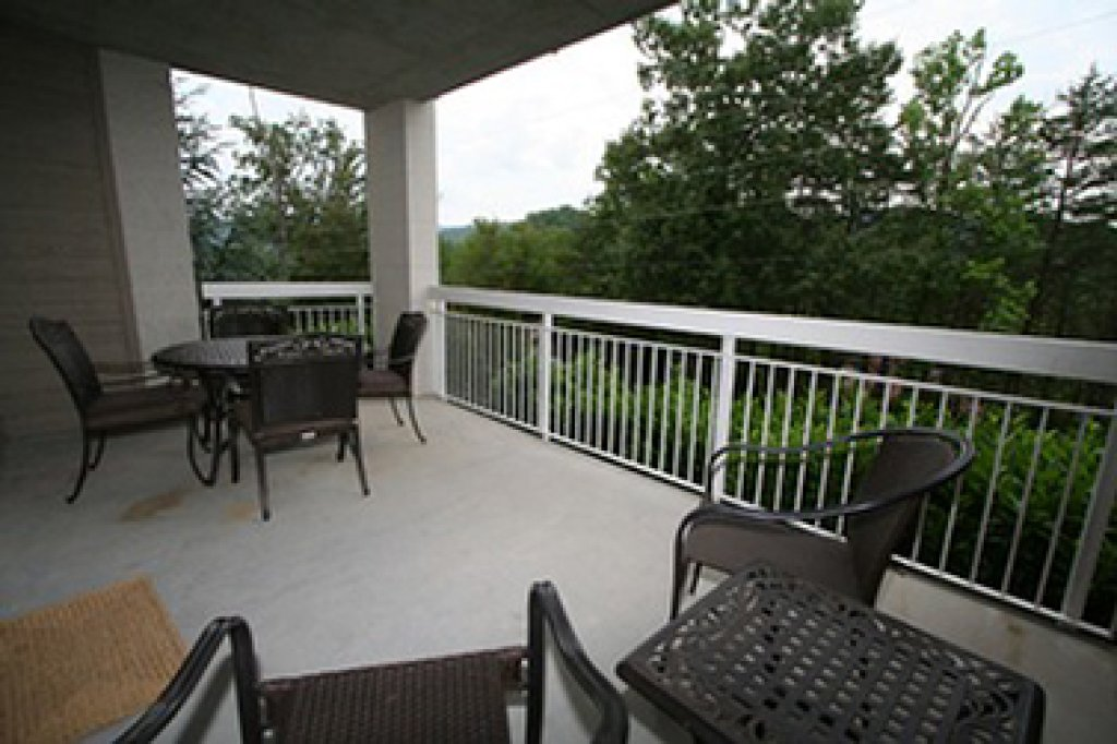 Photo of a Pigeon Forge Condo named Whispering Pines 614 - This is the fourteenth photo in the set.
