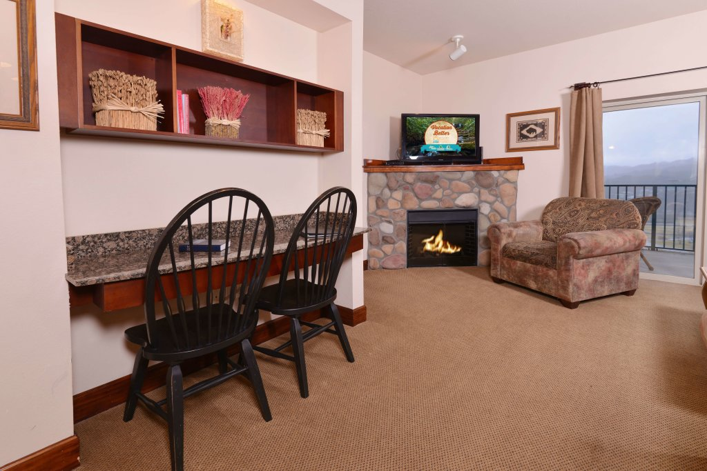 Photo of a Pigeon Forge Condo named 4002 Big Bear Resort - This is the second photo in the set.