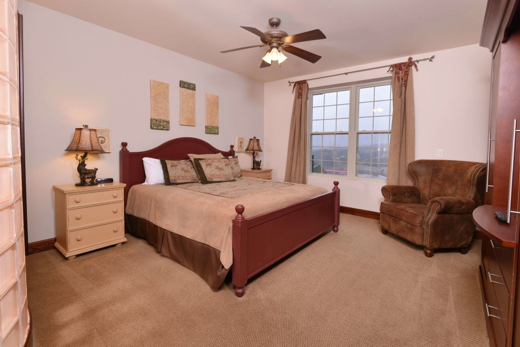Photo of a Pigeon Forge Condo named 4002 Big Bear Resort - This is the tenth photo in the set.