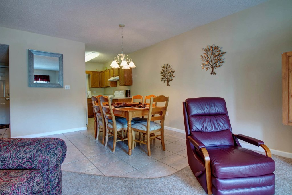 Photo of a Pigeon Forge Condo named Whispering Pines 423 - This is the second photo in the set.
