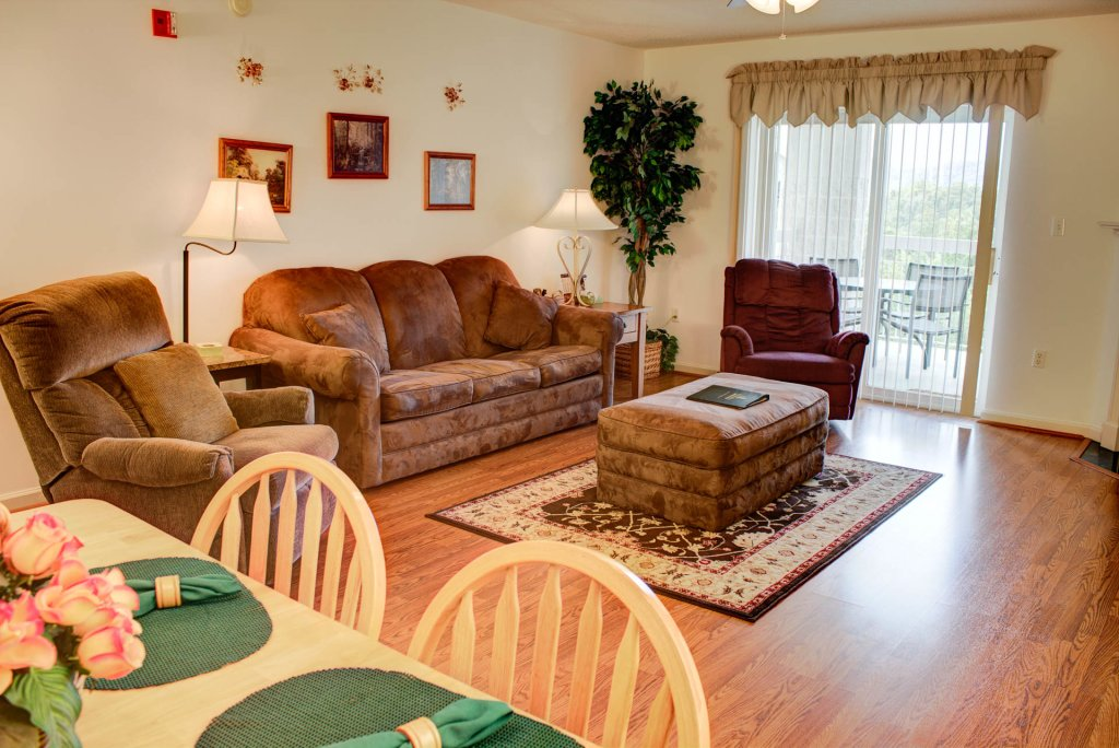 Photo of a Pigeon Forge Condo named Whispering Pines 452 - This is the first photo in the set.