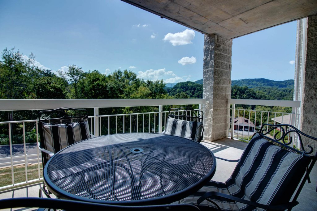 Photo of a Pigeon Forge Condo named Whispering Pines 423 - This is the eighteenth photo in the set.