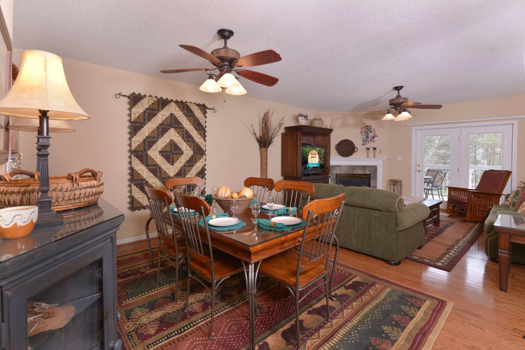 Photo of a Pigeon Forge Condo named Whispering Pines 613 - This is the sixth photo in the set.