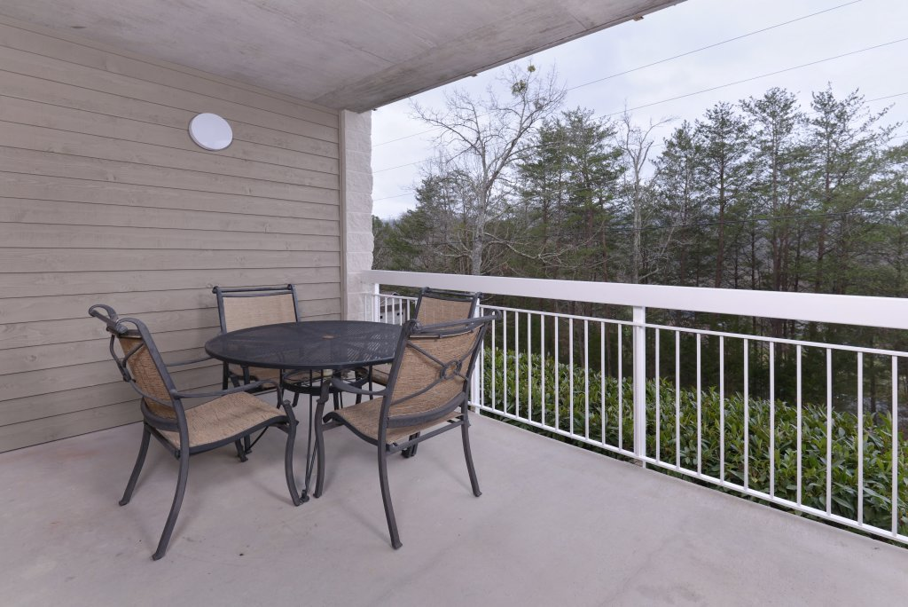 Photo of a Pigeon Forge Condo named Whispering Pines 613 - This is the nineteenth photo in the set.
