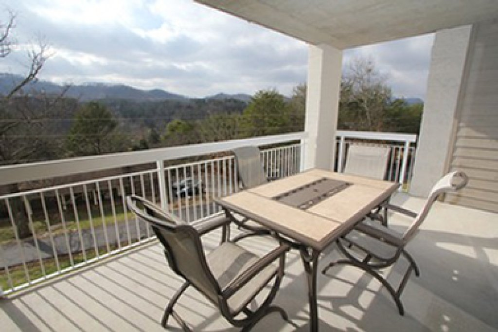 Photo of a Pigeon Forge Condo named Whispering Pines 524 - This is the fourteenth photo in the set.
