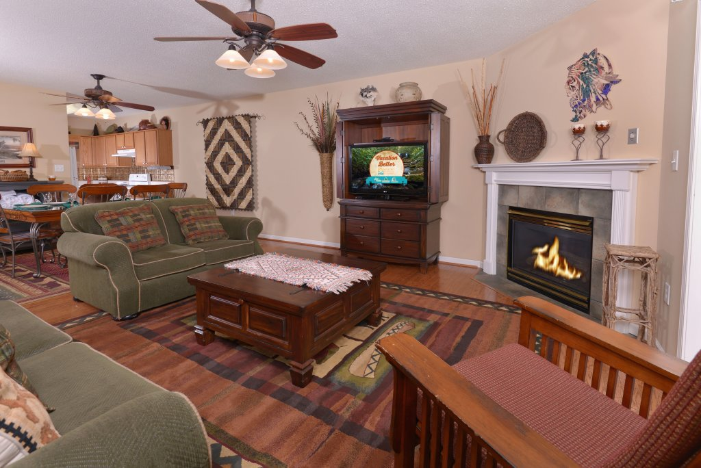 Photo of a Pigeon Forge Condo named Whispering Pines 613 - This is the ninth photo in the set.