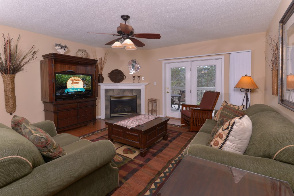 Photo of a Pigeon Forge Condo named Whispering Pines 613 - This is the first photo in the set.